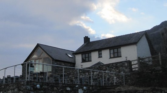 Bwyty Mawddach Restaurant: The Restaurant at sunset