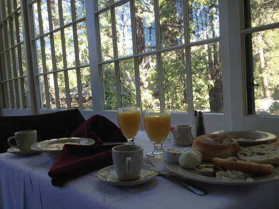 Big Trees Lodge: Breakfast