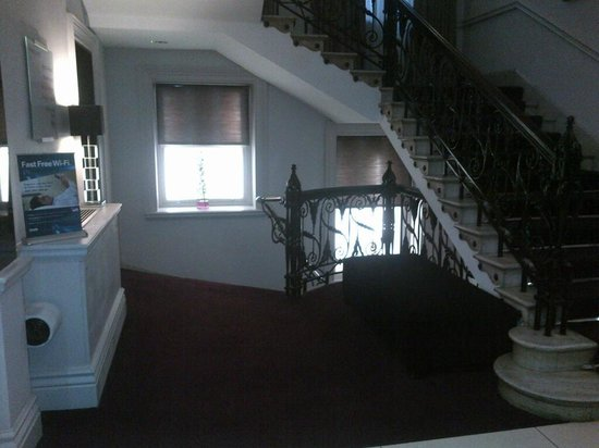 Thistle Holborn, The Kingsley: Stairs of 4th floor
