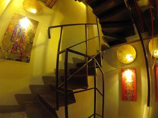 Residenza Torre Colonna: L'escalier du rez de chaussée