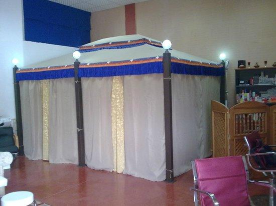 Cabina Estetica En Alquiler : Bonita haima arabe con cabina de masaje y estetica fotografía de