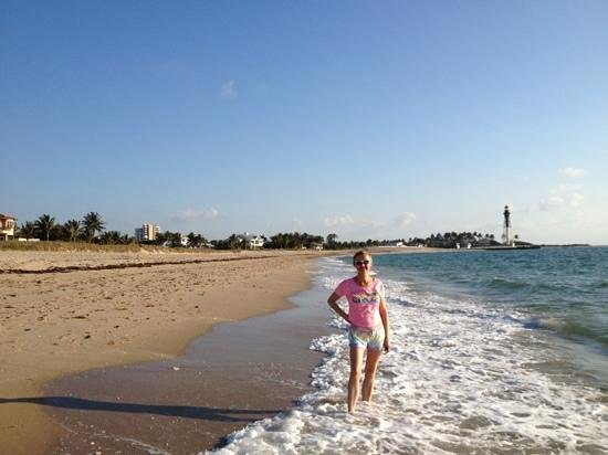 لا كوستا بيتش كلوب: прогулка по пляжу