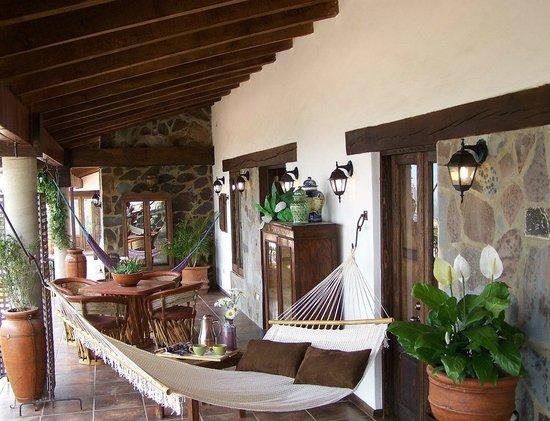 Villa Cassis: Hamacas para relajarse