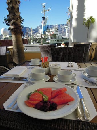 Outstanding breakfast at Table Bay hotel