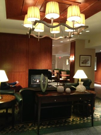 Residence Inn Boston Harbor on Tudor Wharf: Lobby