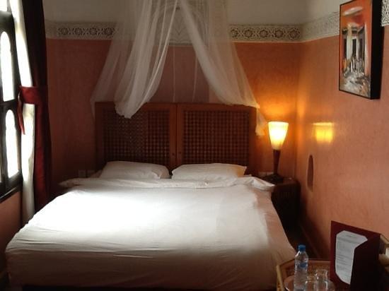 Riad Aguerzame: room