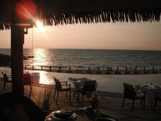 The Shore at Katathani: View of Sunset from The Harbor Restaurant