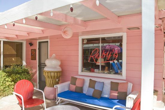Ruby Montana's Coral Sands Inn: Ruby Montana's Coral Sands