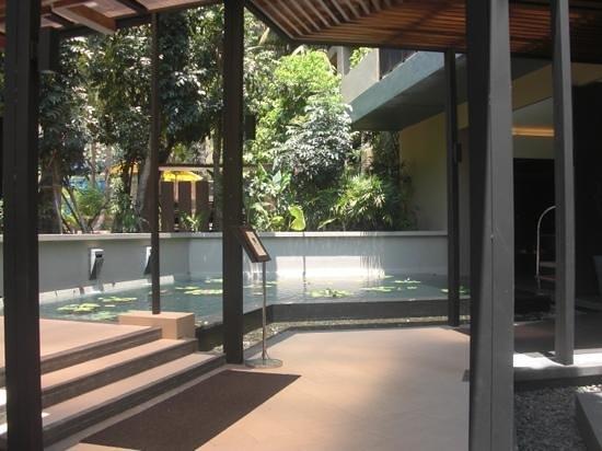 Novotel Phuket Kata Avista Resort and Spa: arrivée a l'hotel