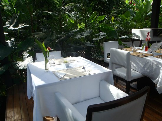 Le Cameleon Boutique Hotel: Breakfast seating