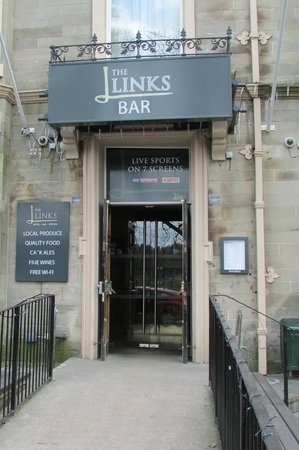 Links Hotel : Links Bar Entrance