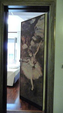 Victoria Hotel: Porta di entrata della camera