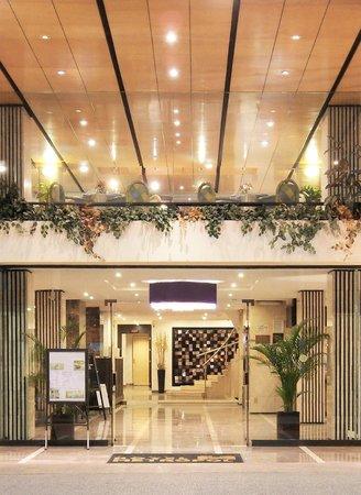 Hotel Metropol: Fachada del Hotel