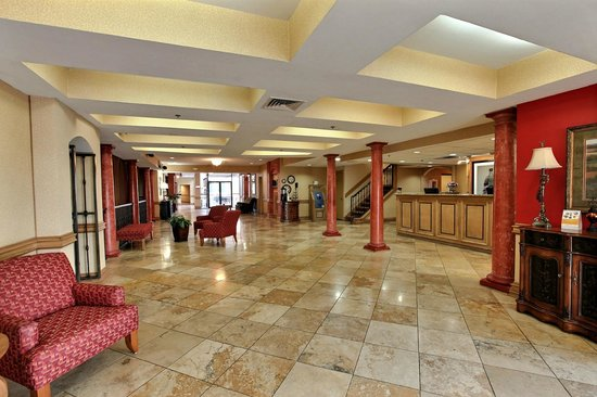 Clarion Inn Tulsa International Airport: Lobby