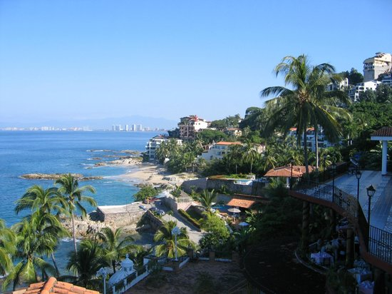 Lindo Mar Resort: View from guest room looking toward the city of Puerto Vallarta.