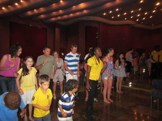 Iberostar Rose Hall Suites: Black River Louge (nightly entertainment for family)