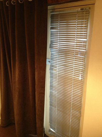 The Kenilworth Hotel: Blinds On Main Room Doors