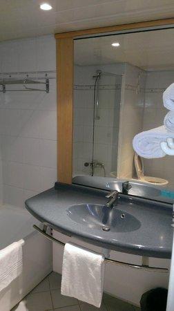 Mercure Le Havre Centre Bassin du Commerce : Salle de bain