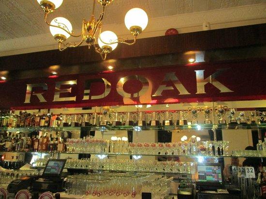 Redoak Boutique Beer Cafe: serves only Redoak beer