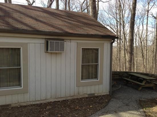 Abe Martin Lodge: Outside Cabin