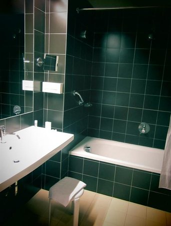 Grand Hotel San Marino: bathroom