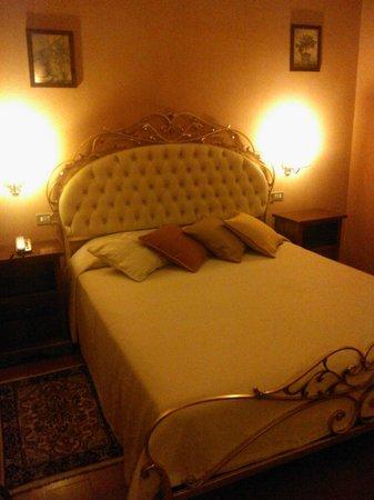 Hotel Torre Dei Calzolari Palace: la camera