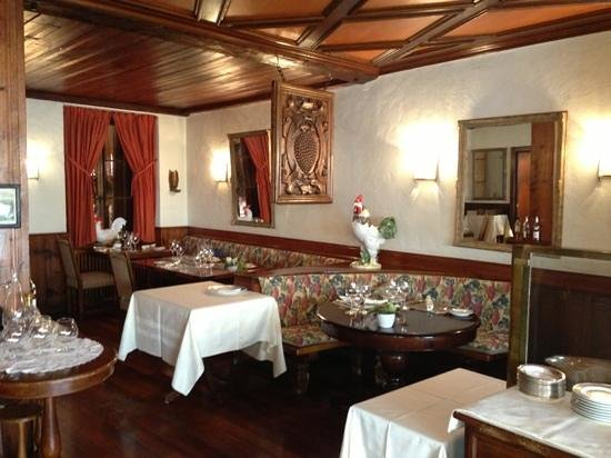 Auberge du Raisin: salle à manger