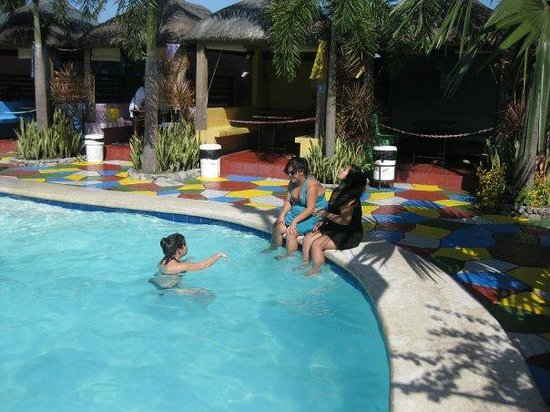 Qubo Qabana Resort & Hotel: Fun times by the pool