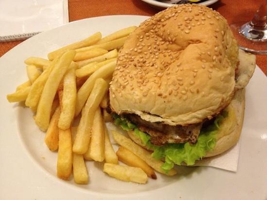 Arituba Park Hotel: sanduíche Tibau - Culinária do hotel