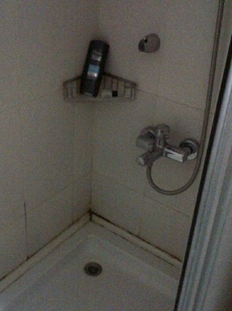 Kocaman Hotel: Snapshot Bathroom