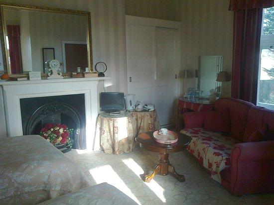 Oakwood Park Hotel: wonderful big well equiped bedroom