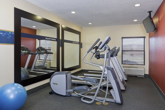Hampton Inn Akron - Fairlawn: Fitness Center