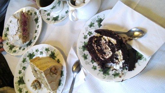 Bridge Tea Rooms: Cakes