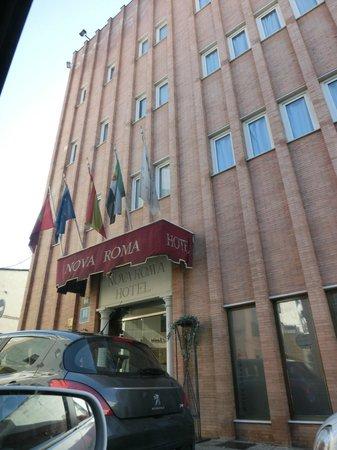 Nova Roma: Fachada del hotel
