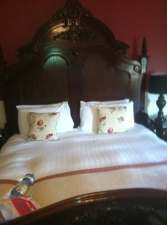 Ballyseede Castle: Coghill bed