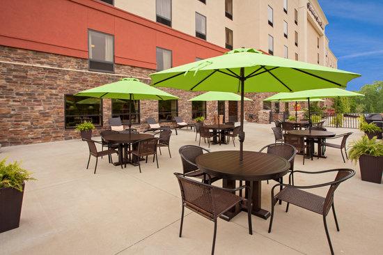 Hampton Inn & Suites Canton : Our Patio