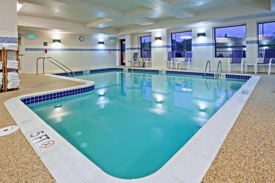 Hampton Inn & Suites Canton : Our Pool