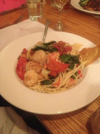 The Liberty Restaurant: Pasta/Seafood Medley