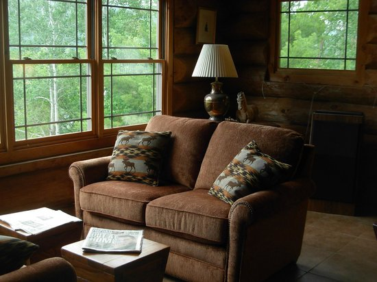 Journey's End Lodge: Comfortable Seating-Great Views