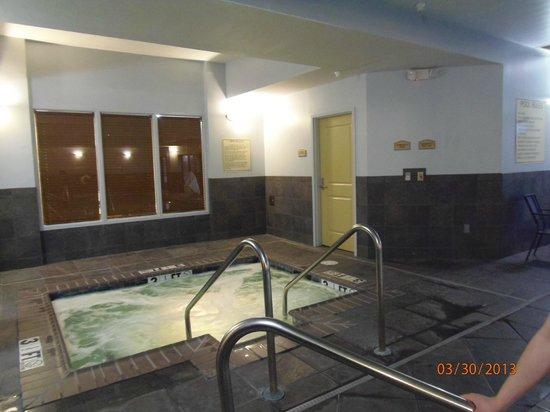Comfort Suites: spa