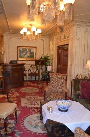 The Drawing Room at the Prince of Wales Hotel: lobby at The Drawing Room