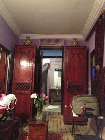 Riad Ben Tachfine ex Riad El mansour: amethyst room