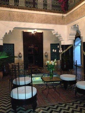 Riad Ben Tachfine ex Riad El mansour: courtyard