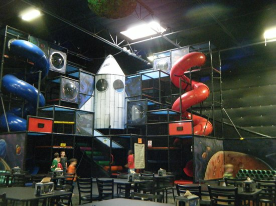 Out of this World Pizza and Play: Awesome play place