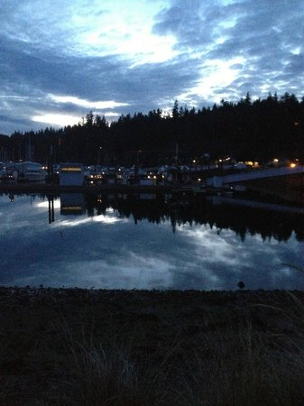 The Resort at Port Ludlow: Strolling at night
