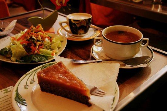 Bio Bar: Vegan dessert - not the best :(