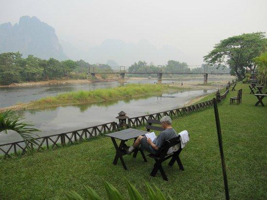 Villa Vang Vieng Riverside: river view