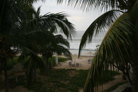 Hacienda Eden: view of beach from second floor