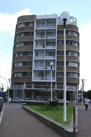 Hotel Nueva Galicia: Exterior of the hotel