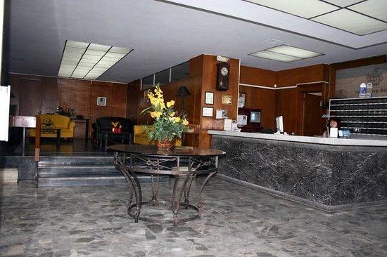Hotel Nueva Galicia : Hotel Lobby